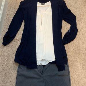 Worthington Size 4 gray w/ blue pinstripe slacks